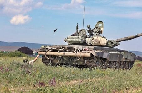 如何使用單兵便攜式武器摧毀敵方坦克