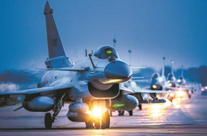 突擊!突擊!——北部戰區空軍航空兵某旅練兵影像